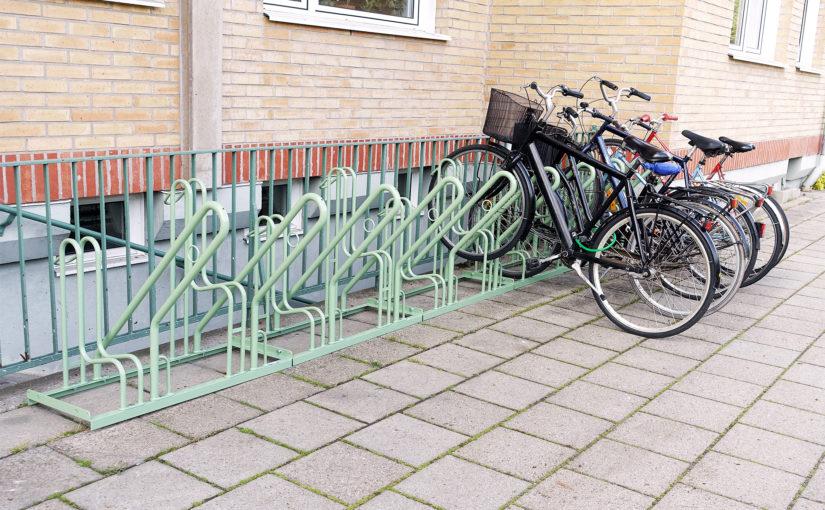 Nytt cykelställ till gården uppsatt :)