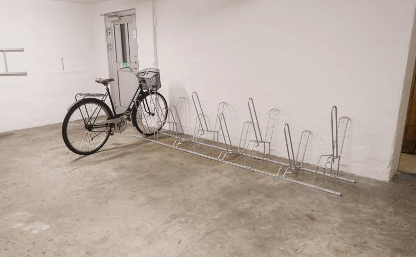 Nya cykelställ i källaren